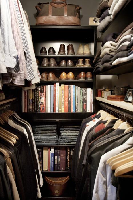 Das Allerschönste An Diesem Schrank Ist Aber, Dass Raum Für Bücher, Fotos,  Düfte Und Persönlichen Kleinkram ...