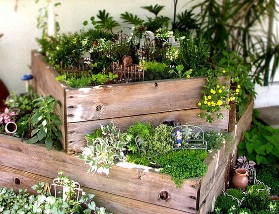 Füllen Sie Diese Mit Erde Und Pflanzen Sie Kleine, Feine, Filigrane  Pflanzen, Blumen Und Kräuter Ein.