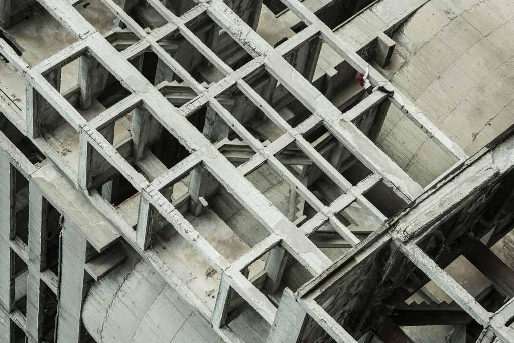 UNDATIERTES HANDOUT - Auf diese seltsame Struktur stiess ich in der Naehe von Sofia, in Bulgarien. Das Gebaeude schien mich in sich hineinzuziehen. Mit dem Bild wollte ich etwas Unmoegliches zum Ausdruck bringen, wie die Werke von Escher. (PHOTOPRESS/Nikon)