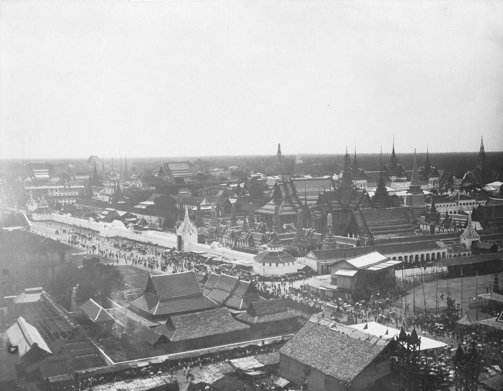 (GERMANY OUT) Ansicht von Bangkok: in der Mitte der Königliche Palast- um 1900 (Photo by ullstein bild/ullstein bild via Getty Images)