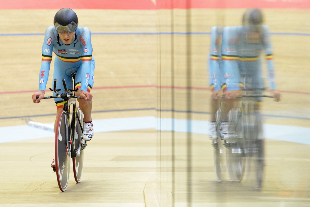 Jasper De Buyst from Belgium competes in the Men's Omnium Race II during the UCI European Track Cycling Championships in Grenchen, Switzerland, Friday, October 16, 2015. (KEYSTONE/Anthony Anex)
