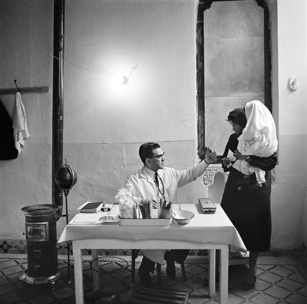 UNRWA Archive - Ausstellung Photobastei - BILDSEITE UNRWA-Gesundheitsdienste in Damaskus, Syrien. Nicht datiert © UNRWA-Archiv, Fotograf unbekannt