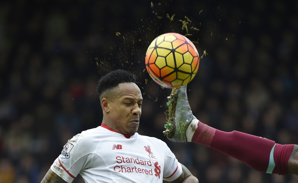 """Football Soccer - West Ham United v Liverpool - Barclays Premier League - Upton Park - 2/1/16 Liverpool's Nathaniel Clyne in action Reuters / Toby Melville Livepic EDITORIAL USE ONLY. No use with unauthorized audio, video, data, fixture lists, club/league logos or """"live"""" services. Online in-match use limited to 45 images, no video emulation. No use in betting, games or single club/league/player publications. Please contact your account representative for further details. - RTX20RZQ"""