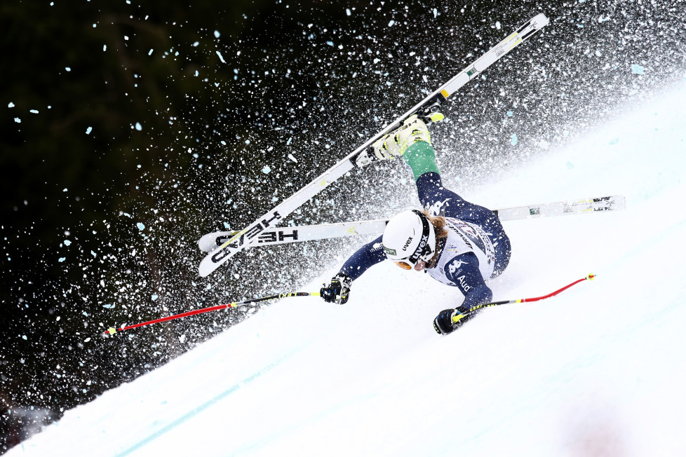 GARMISCH-PARTENKIRCHEN, GERMANY - JANUARY 07: (FRANCE OUT) Verena Gasslitter of italy crashes during the Audi FIS Alpine Ski World Cup Women's Super G on January 07, 2016 in Garmisch-Partenkirchen, Germany. (Photo by Christophe Pallot/Agence Zoom/Getty Images)