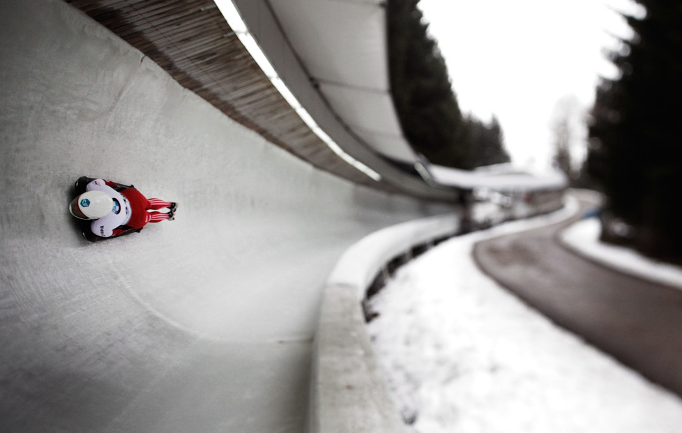 INNSBRUCK, AUSTRIA - FEBRUARY 19: (EDITORS NOTE: Image what created using a variable planed lens) Kimberley Bos of the Netherlands completes her second run of the Women's Skeleton during Day 5 of the IBSF World Championships 2016 at Olympiabobbahn Igls on February 19, 2016 in Innsbruck, Austria. (Photo by Adam Pretty/Bongarts/Getty Images)