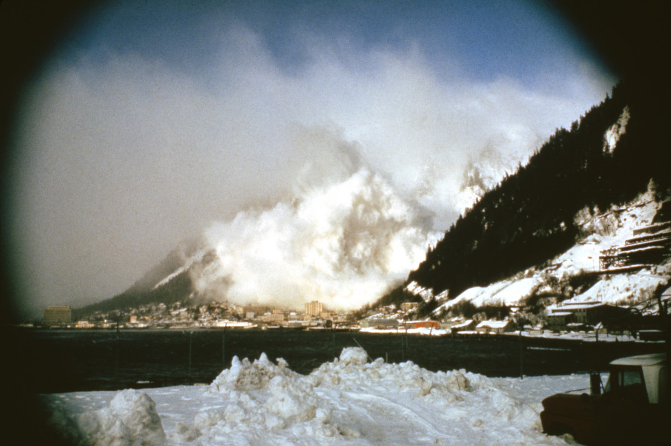 """NATIONAL GEOGRAPHIC SPECIAL -- """"Avalanche: The White Death"""" Aired 05/08/1999 -- Pictured: Avalanche in progress (Photo by Jonnathan D. Gray/NBC/NBCU Photo Bank via Getty Images)"""