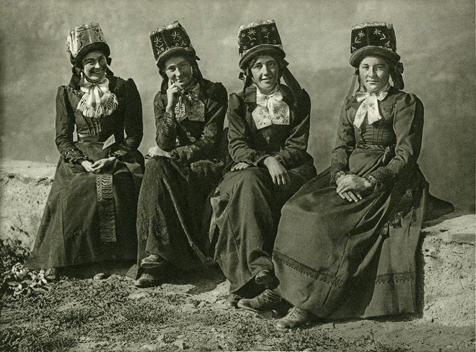 BILDSEITE VOM 5.3.16 Gabarells Schweizer Bilder /Int. Frauentag vom 8.3.16