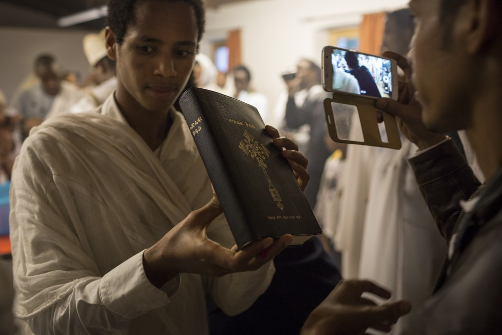 Buchs, 16.8.2015. Eritreisch-orthodoxer Gottesdienst in der refomierten Kirche von Buchs AG. Foto: Daniel Rihs / 13 Photo