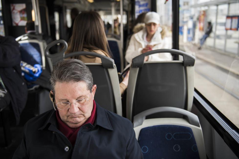 Buslinien 31 und 32 **Fotoblog** Bild 7 Linie 31 (Tamedia AG/Thomas Egli, 31.3.2016)