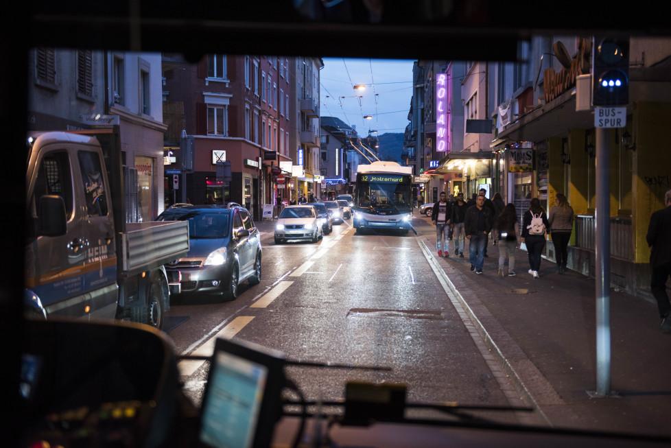 Buslinien 31 und 32 **Fotoblog** Bild 25 Linie 32, Die Langstrasse. (Tamedia AG/Thomas Egli, 31.3.2016)