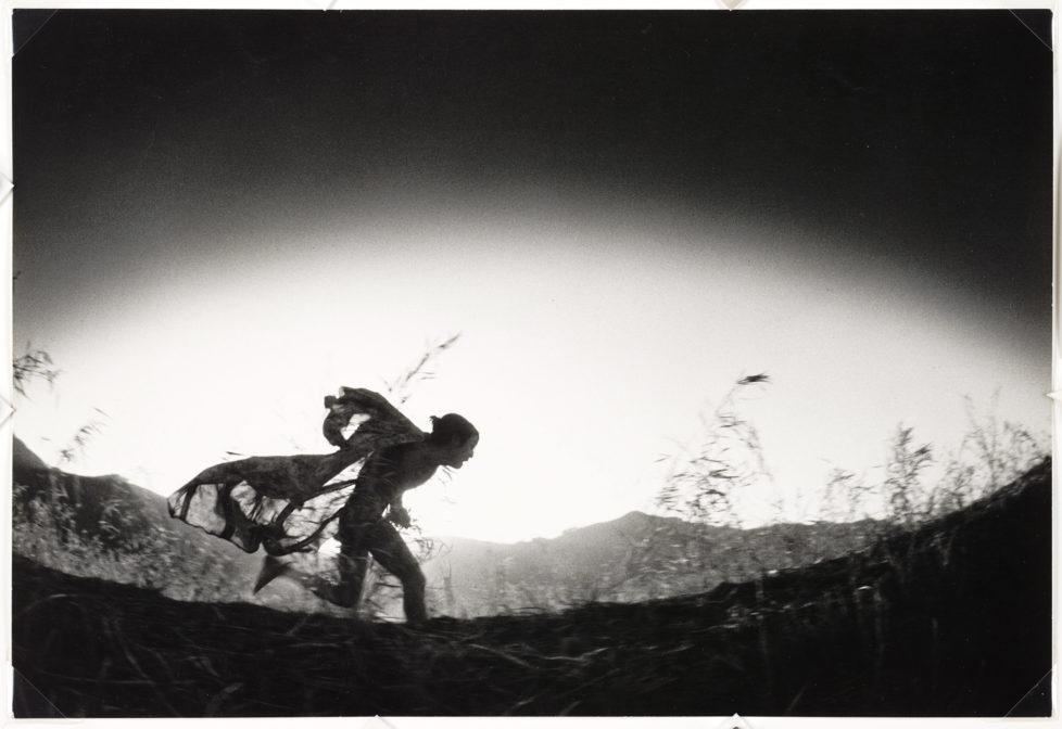 ** Provoke - Zwischen Protest und Performance Fotografie in Japan 1960 - 1975 ** Fotosmuseum Winterthur 28.5 - 28.8.2016 Eikō Hosoe, Kamaitachi #31, 1968 (c) Eikō Hosoe
