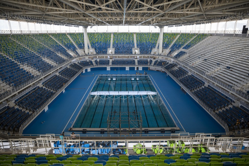 ZUM COUNTDOWN VON 100 TAGEN BIS ZUR EROEFFNUNGSZEREMONIE DER OLYMPISCHEN SOMMERSPIELE RIO 2016 AM MITTWOCH, 27. APRIL 2016, STELLEN WIR IHNEN FOLGENDES BILDMATERIAL ZUR VERFUEGUNG - The Olympic Aquatics Stadium stands ready during a foreign media tour at the Olympic Park of the 2016 Olympics in Rio de Janeiro, Brazil, Monday, April 4, 2016. The stadium will host swimming and water polo during the Olympic Games. (KEYSTONE/AP Photo/Felipe Dana)