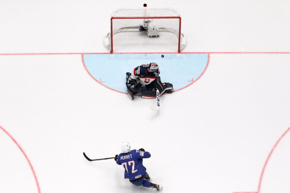 2016 IIHF World Championship - Group B - Slovakia v France - St. Petersburg, Russia - 8/5/16 - Jordann Perret of the France scores a goal past goalkeeper Julius Hudacek of Slovakia. REUTERS/Maxim Zmeyev - RTX2DDYD