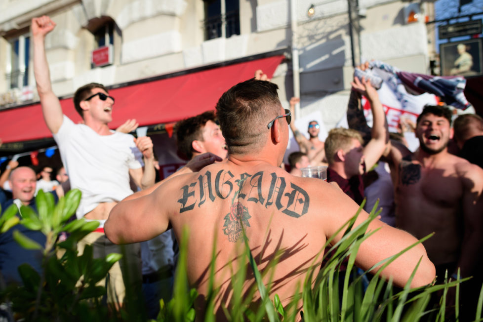 England fans gather in the port area of Marseille, on June 9, 2016, ahead of the start of the Euro 2016 football tournament in France. / AFP PHOTO / LEON NEAL