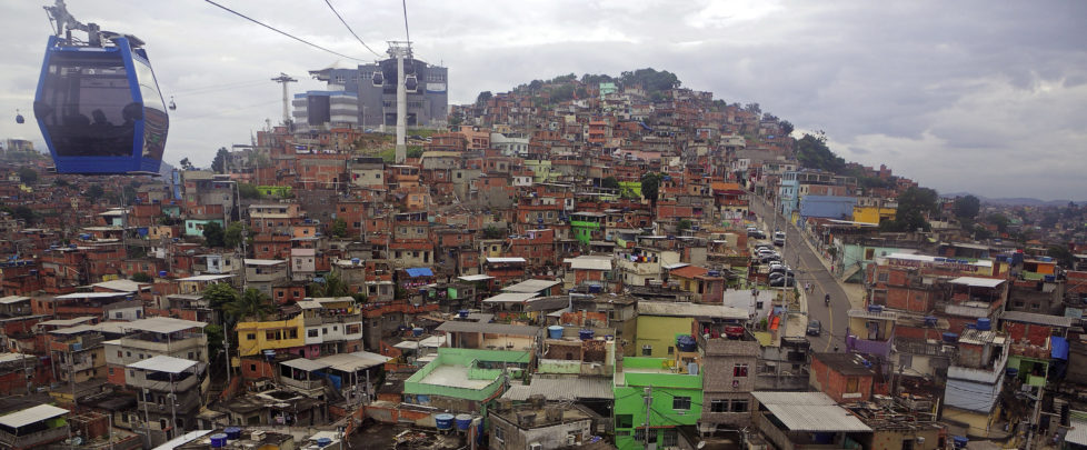 Neue Seilbahnen erschliessen die Favelas, Rio de Janeiro, Juni 2015.