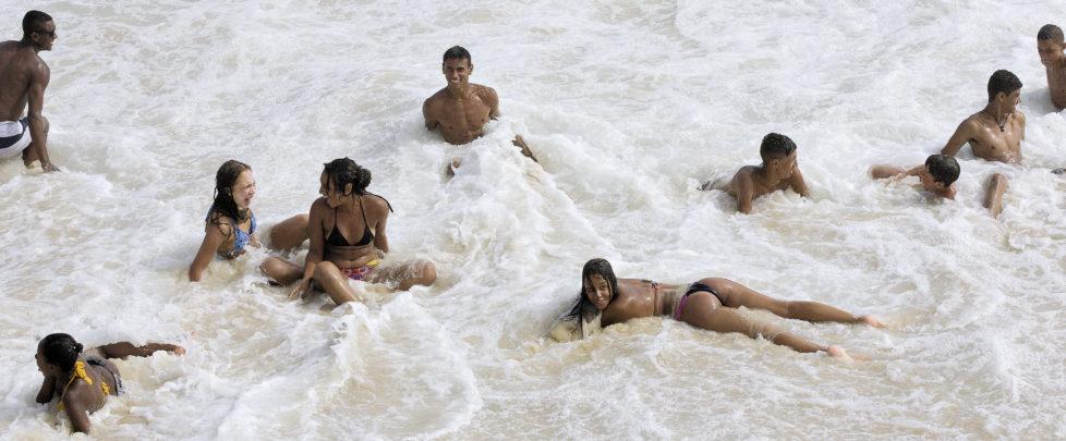 Zum Cliché von Rio de Janeiro gehört das Strandleben. Die Copacabana ist berühmt, aber der Ipanema Strand ist schöner, Juni 2016.