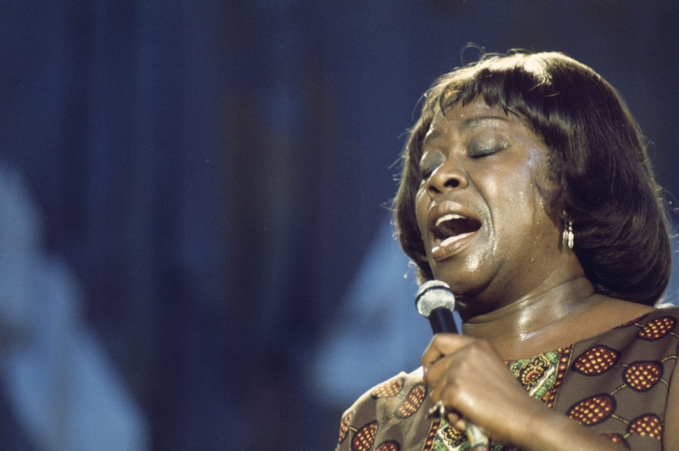 Sarah Vaughan (1924-1990), U.S. jazz singer, during a concert performance at the Montreux Jazz Festival, in Montreux, Switzerland, 11 July 1976. (Photo by Andrew Putler/Redferns/Getty Images)