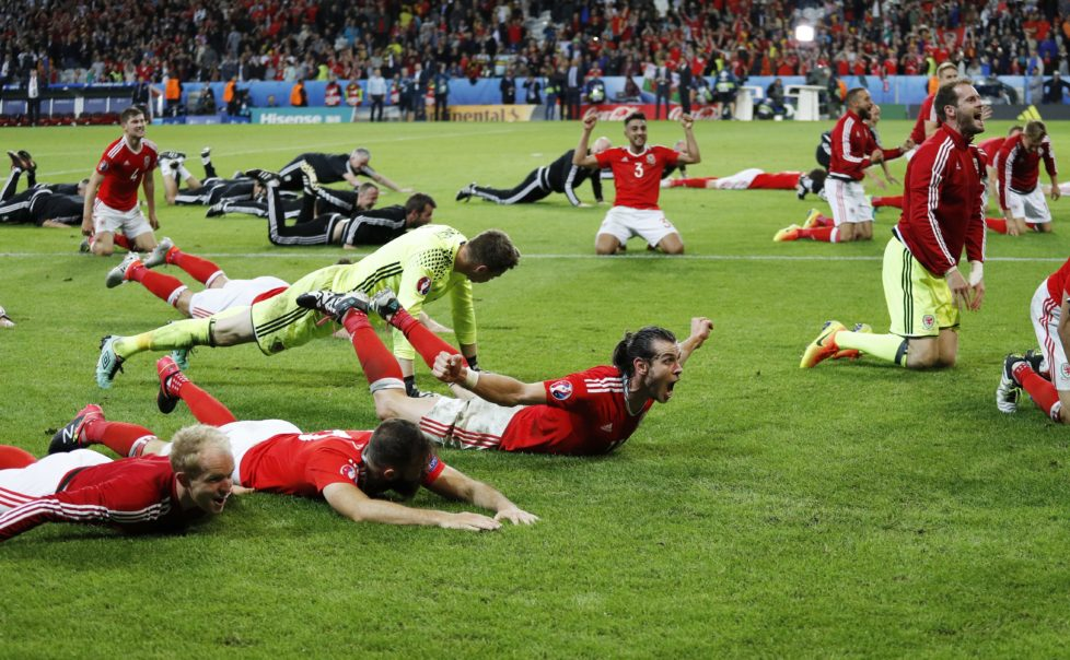 Football Soccer - Wales v Belgium - EURO 2016 - Quarter Final - Stade Pierre-Mauroy, Lille, France - 1/7/16 Wales' Gareth Bale celebrates at the end of the game REUTERS/Darren Staples Livepic