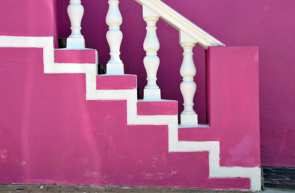 (GERMANY OUT) Republic of South Africa - Kapstadt Cape Town: Bo Kaap district, pink house (Photo by JOKER/Walter G. Allg?wer/ullstein bild via Getty Images) *** Local Caption *** 01021731
