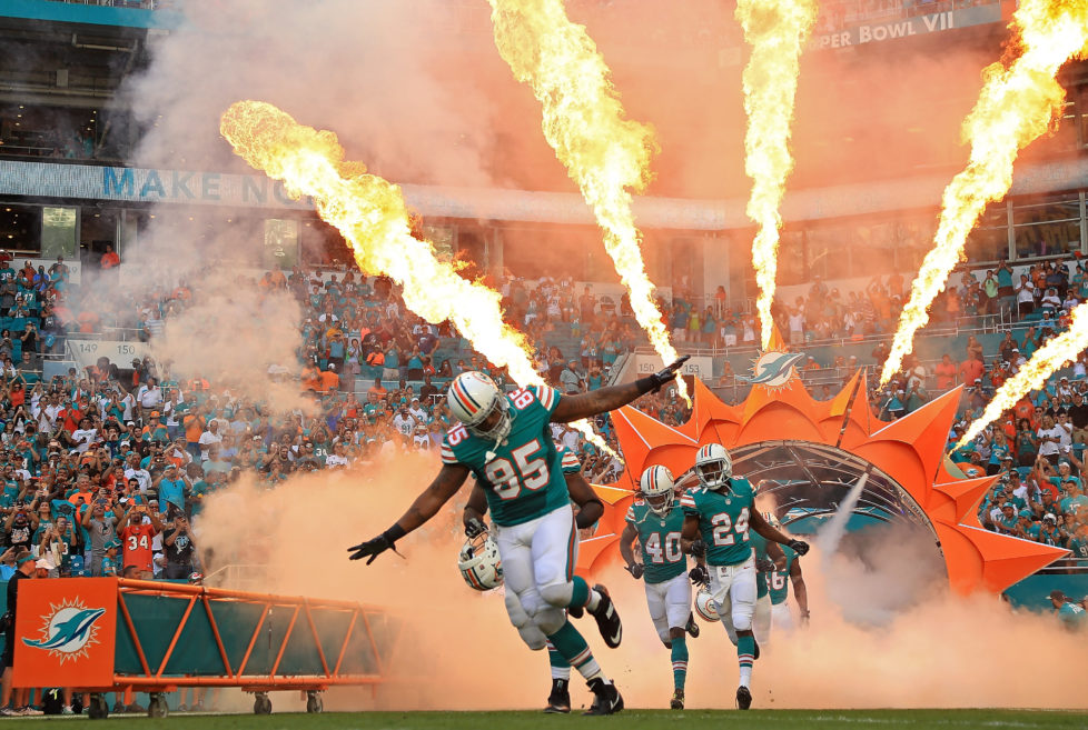 MIAMI GARDENS, FL - NOVEMBER 27: The Miami Dolphins takes the field during a game against the San Francisco 49ers on November 27, 2016 in Miami Gardens, Florida. (Photo by Mike Ehrmann/Getty Images) *** BESTPIX ***