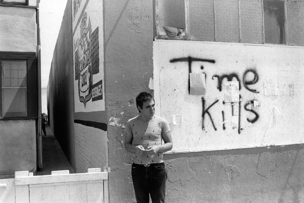 ** Bildseite 06.12.2016 ** Chris Burden (1946–2015), vor seinem Atelier, Ocean Front, Venice/Kalifornien, 1973