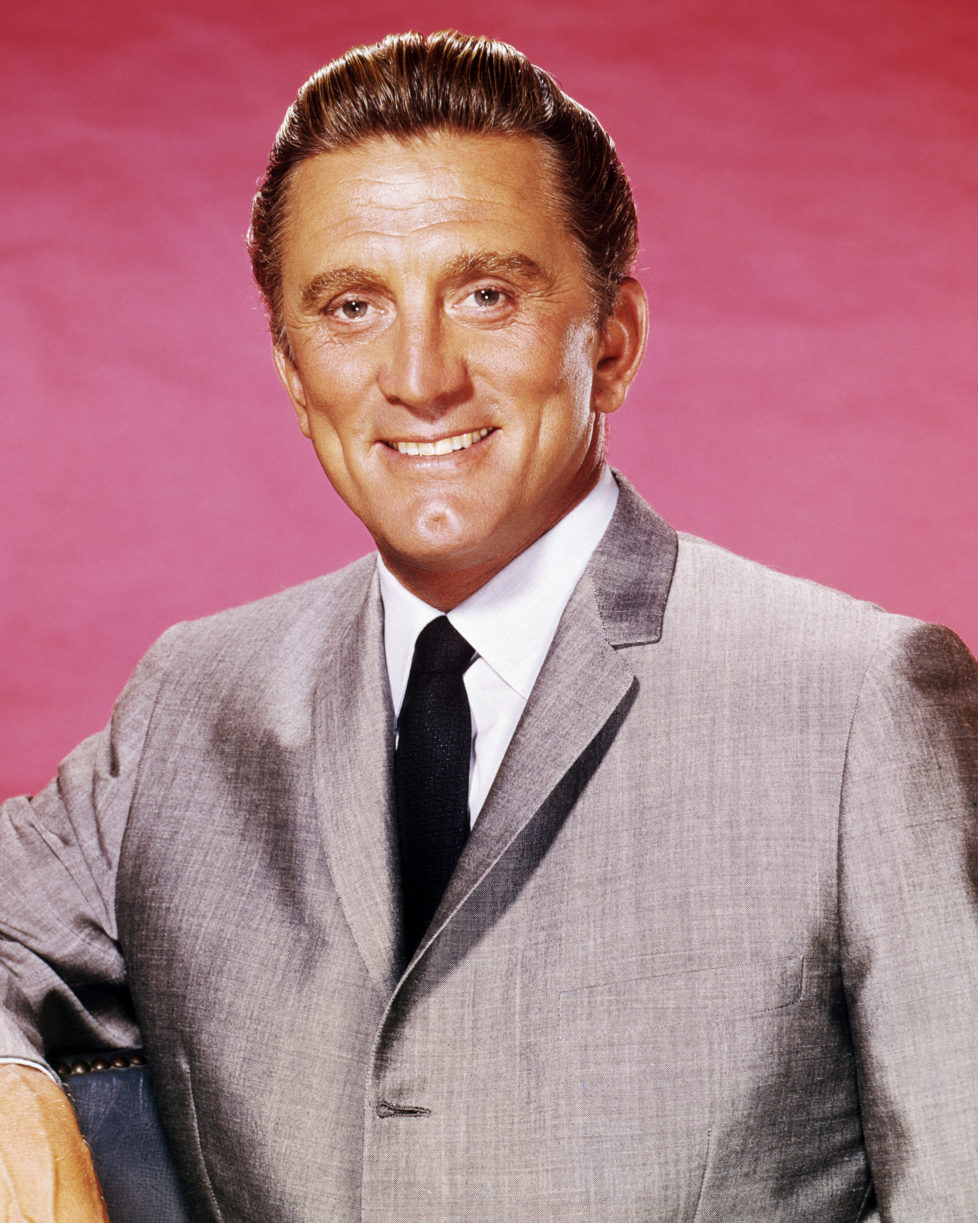 American actor Kirk Douglas, circa 1963. (Photo by Silver Screen Collection/Getty Images) *** Local Caption *** Kirk Douglas
