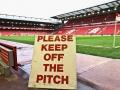 10-Liverpool-KeepOff