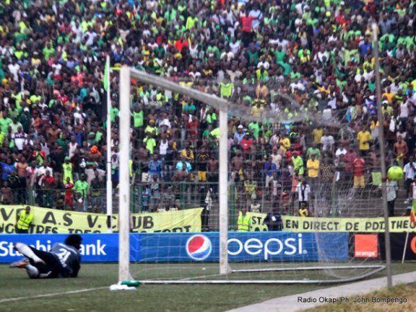 97. Minute: Der Penalty ist drin. 2:1 für das Heimteam!