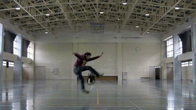 Takahiro Kudo; Juggling; Quicktime-Film 3 min 48 sec; 2010