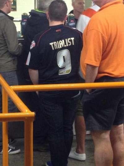 (Trialist = Testspieler)
