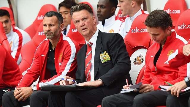Van Gaal auf der Bank im Spiel gegen Sunderland AFC