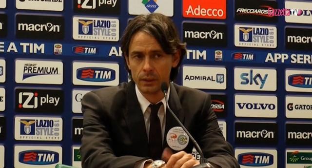 Filippo Inzaghi auf dem Schleudersitz