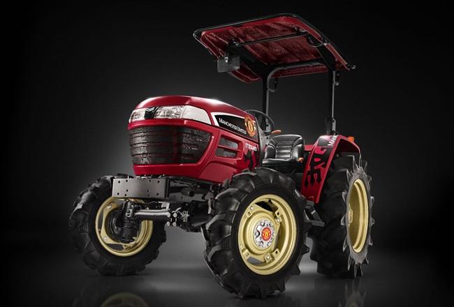 man-utd-yanmar-tractor